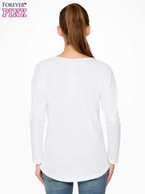 Biała bluzka z napisem CRAZY i nadrukiem fashionistek                                  zdj.                                  4