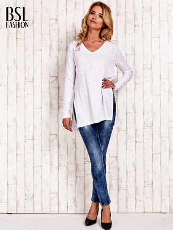 Biała bluzka z rozporkami z boku                                  zdj.                                  2