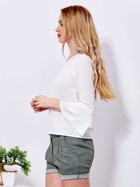 Biała bluzka z rozszerzanymi rękawami                                  zdj.                                  3
