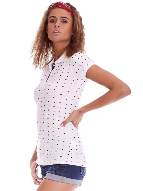 Biała damska koszulka polo w serduszka                              zdj.                              3