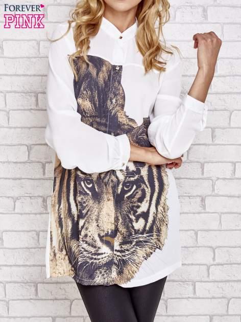 Biała długa koszula z nadrukiem tygrysa