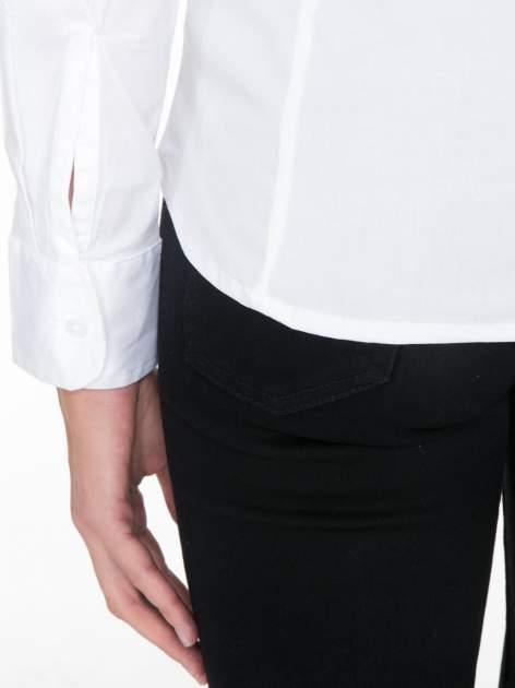 Biała elegancka koszula damska z krytą listwą                                  zdj.                                  9