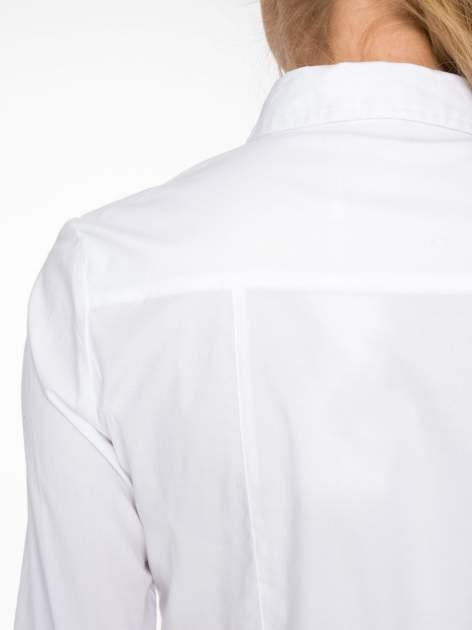 Biała elegancka koszula damska z marszczonym przodem                                  zdj.                                  8