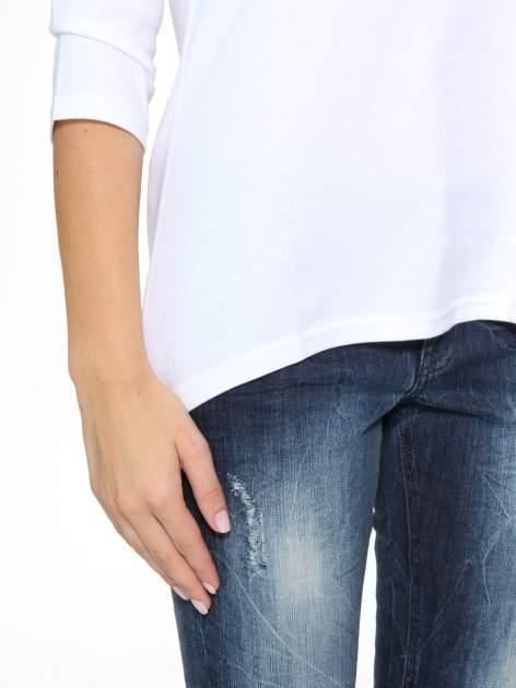 Biała gładka bluzka z dłuższym tyłem                                  zdj.                                  7