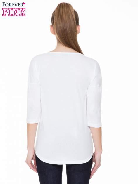 Biała gładka bluzka z ozdobnymi przeszyciami                                  zdj.                                  4