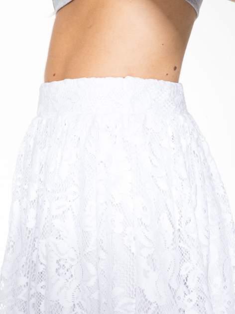 Biała koronkowa mini spódniczka na gumkę                                  zdj.                                  7