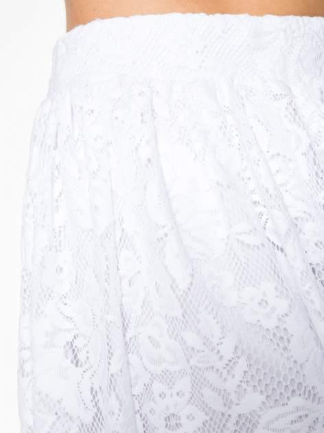 Biała koronkowa mini spódniczka na gumkę                                  zdj.                                  9