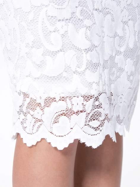 Biała koronkowa spódnica typu tuba za kolano                                  zdj.                                  10