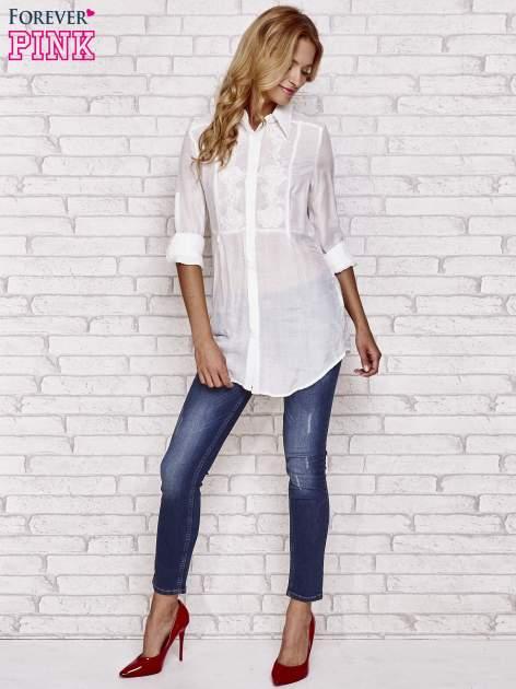 Biała koszula hippie z haftem                                  zdj.                                  4