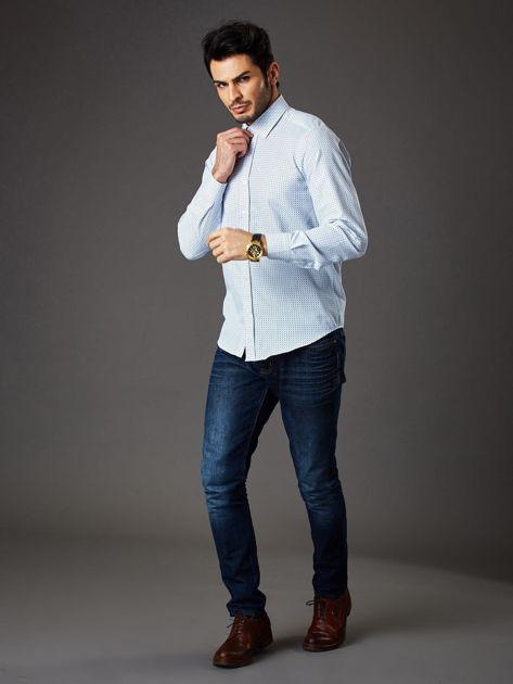 Biała koszula męska o prostym kroju w drobny wzór                              zdj.                              4
