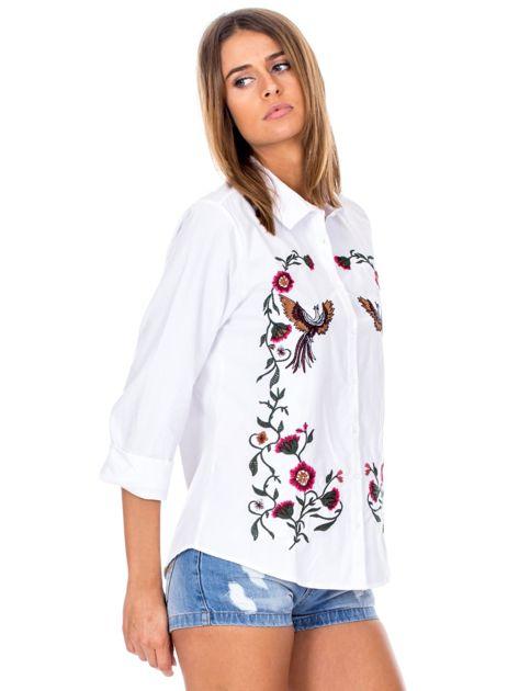 Biała koszula w haftowane etniczne desenie                              zdj.                              5