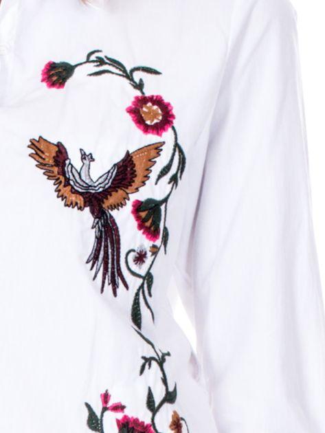 Biała koszula w haftowane etniczne desenie                              zdj.                              6