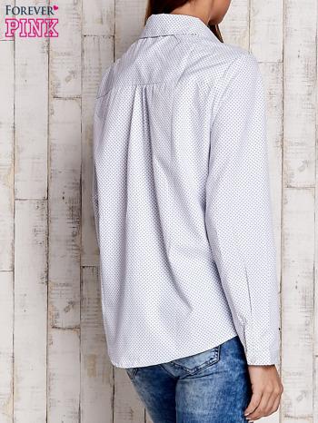 Biała koszula z delikatnym nadrukiem                              zdj.                              4