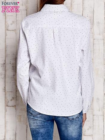 Biała koszula z delikatnym wzorem                              zdj.                              4