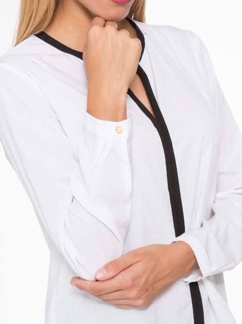 Biała koszula z kontrastową listwą                                  zdj.                                  11