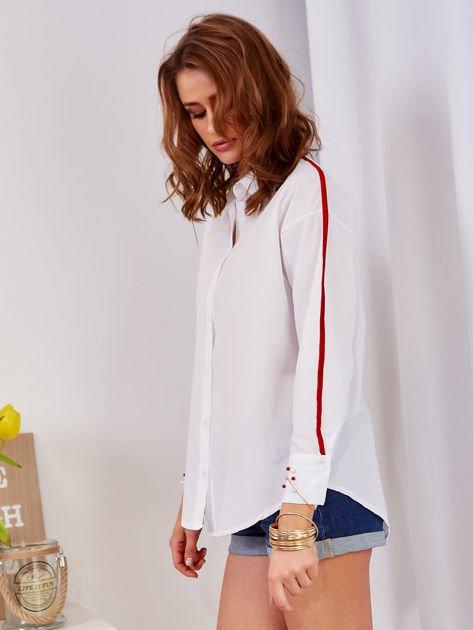 Biała koszula z perełkami na mankietach                                  zdj.                                  3