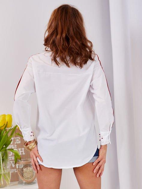 Biała koszula z perełkami na mankietach                              zdj.                              2