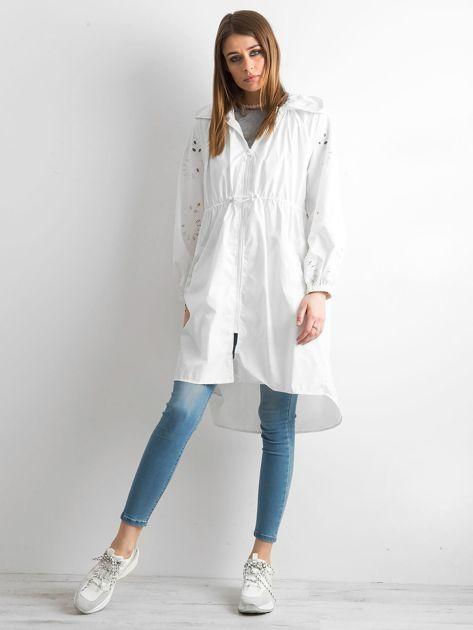 Biała kurtka z kapturem                               zdj.                              4