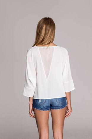 Biała luźna koszula z dekoltem typu woda                                  zdj.                                  4