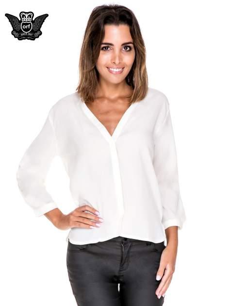 Biała minimalistyczna koszula z trójkątnym dekoltem                                  zdj.                                  1