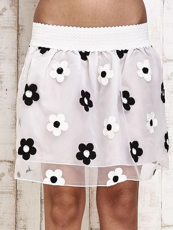Biała spódnica mini w kwiaty