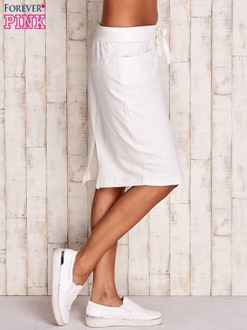 Biała spódnica z troczkami i kieszeniami                                  zdj.                                  4