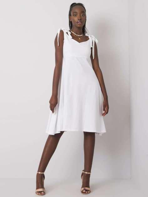 Biała sukienka Twister NIE ZNASZ MNIE