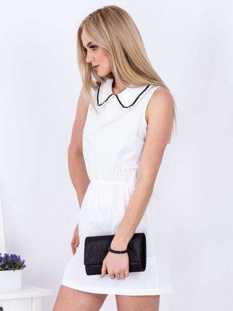 Biała sukienka z kołnierzykiem                               zdj.                              5