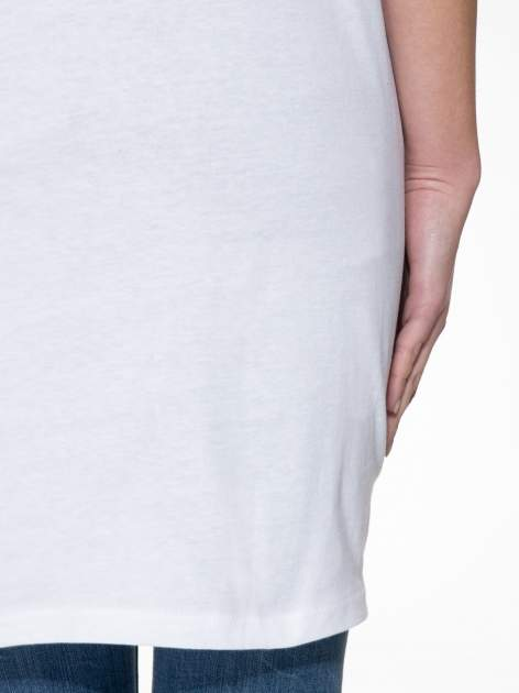 Biała sukienka z literą A w stylu baseball dress                                  zdj.                                  8