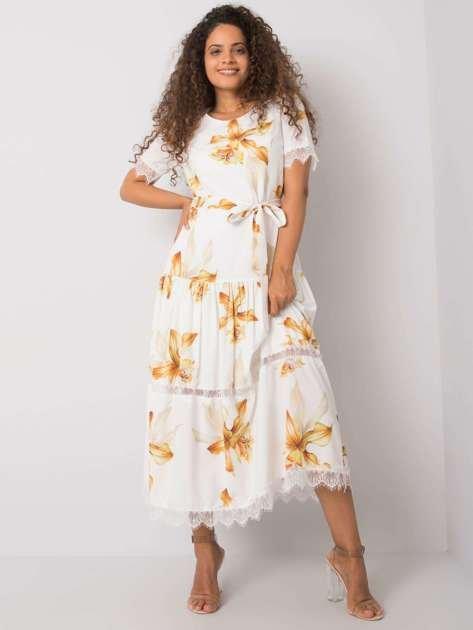 Biała sukienka z paskiem Jaina