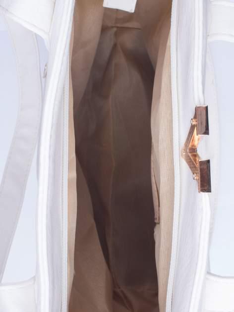 Biała torba shopper bag ze kieszeniami na klapki                                  zdj.                                  4