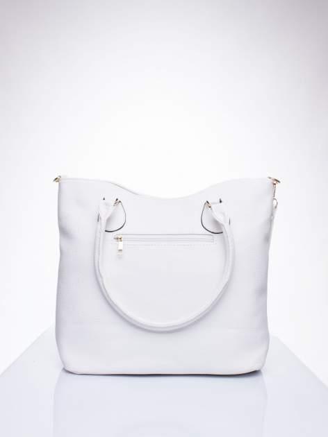 Biała torba shopper bag ze złotymi okuciami przy rączkach                                  zdj.                                  3