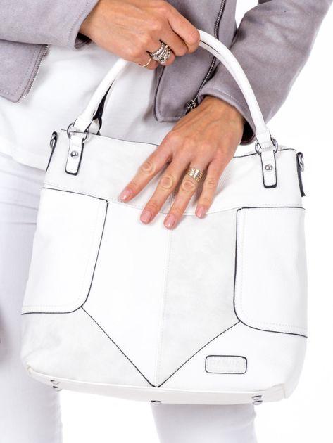 Biała torba z łączonych materiałów                              zdj.                              2