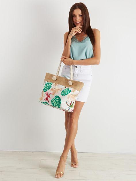 Biała torba z tropikalnym nadrukiem                              zdj.                              4