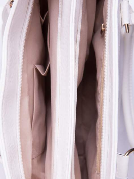 Biała torebka ze złotymi okuciami z kryształkami                                  zdj.                                  5
