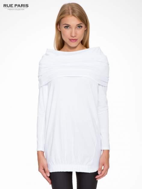 Biała tunika dresowa z kominokapturem i ściągaczem na dole                                  zdj.                                  1