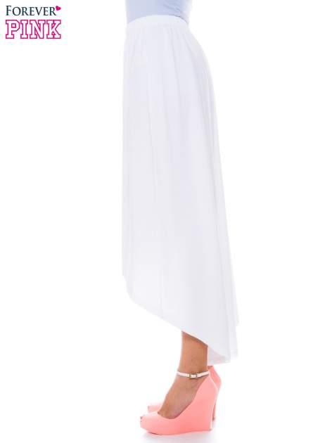 Biała zwiewna spódnica z dłuższym tyłem                                  zdj.                                  2