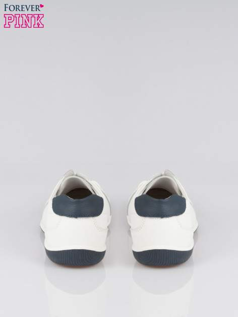 Białe buty sportowe faux leather Lucky na granatowej podeszwie                                  zdj.                                  3