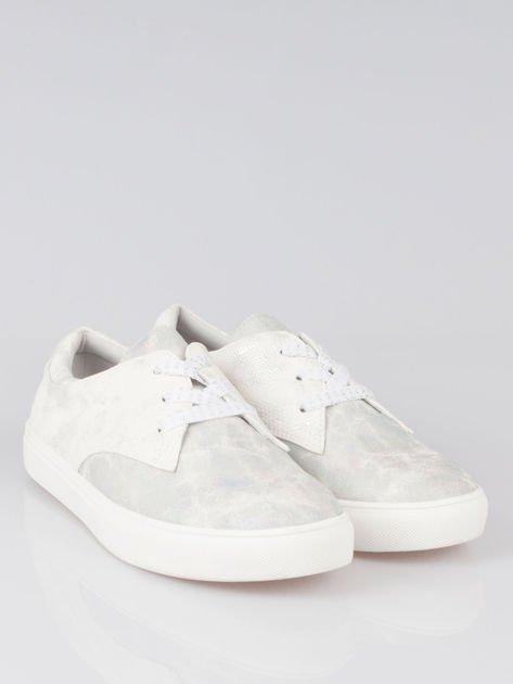 Białe buty sportowe z szarym wykończeniem Millie                                  zdj.                                  2