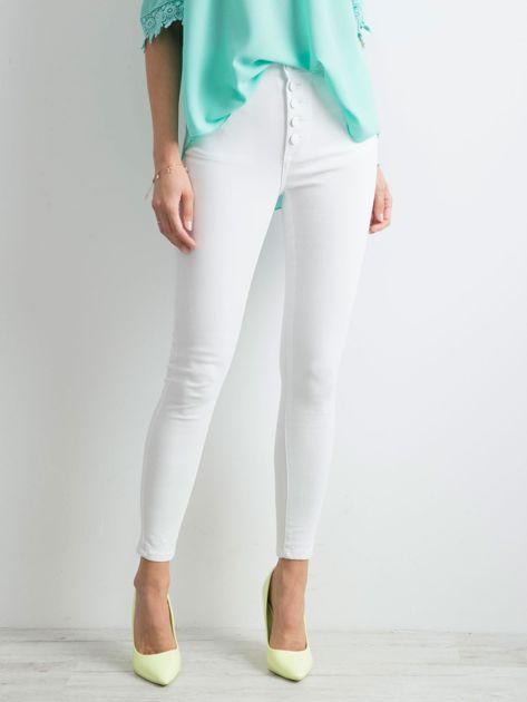 Białe jeansy high waist                              zdj.                              1