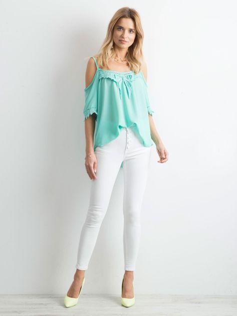 Białe jeansy high waist                              zdj.                              4