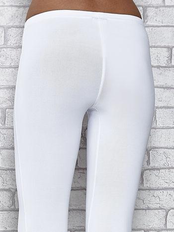 Białe legginsy sportowe termalne z patką z dżetów                                  zdj.                                  7