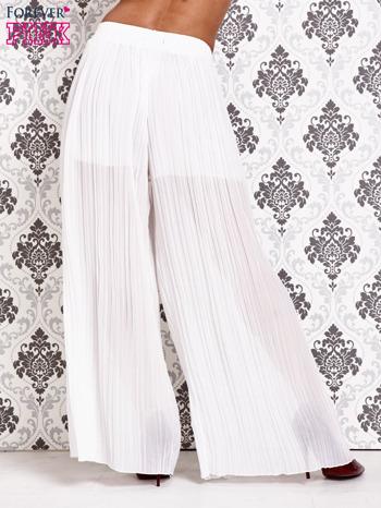 Białe plisowane spodnie palazzo                                   zdj.                                  3