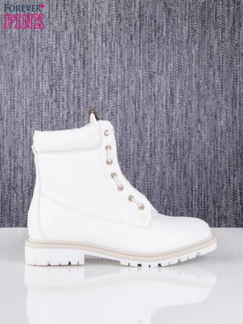 Białe skórzane traperki leather Fancy ze złotym suwakiem i dodatkami                                  zdj.                                  1