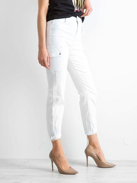 Białe spodnie Vintage                              zdj.                              3