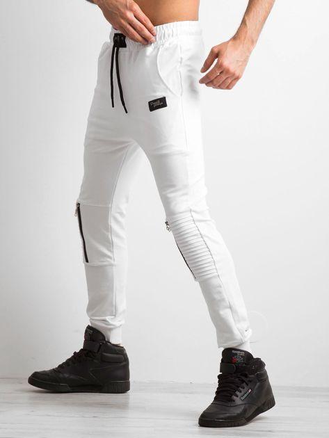 Białe spodnie męskie dresowe                              zdj.                              4