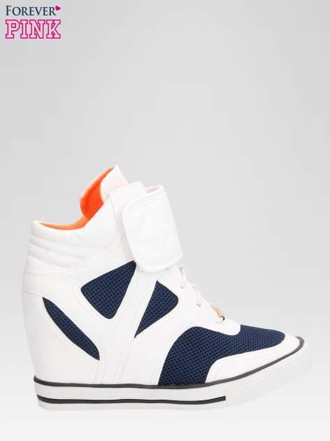 Białe sportowe sneakersy damskie z siateczką