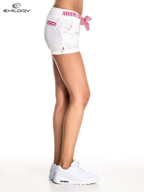 Białe szorty damskie w stylu marynarskim                                  zdj.                                  3
