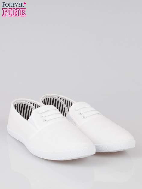 Białe tenisówki sliponki ze sznurówkami                                  zdj.                                  2