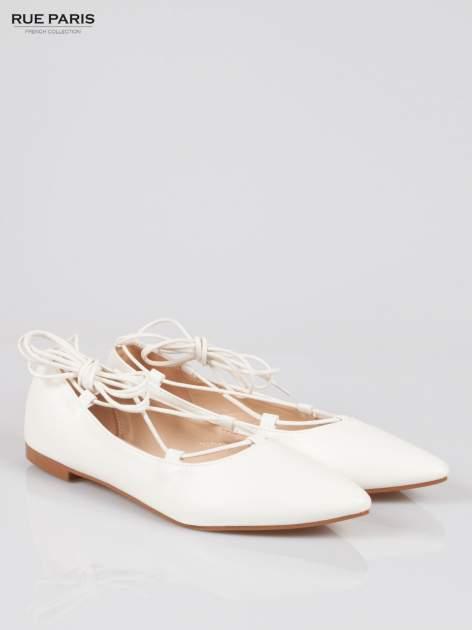 Białe wiązane baleriny leather Kylie lace up                                  zdj.                                  2
